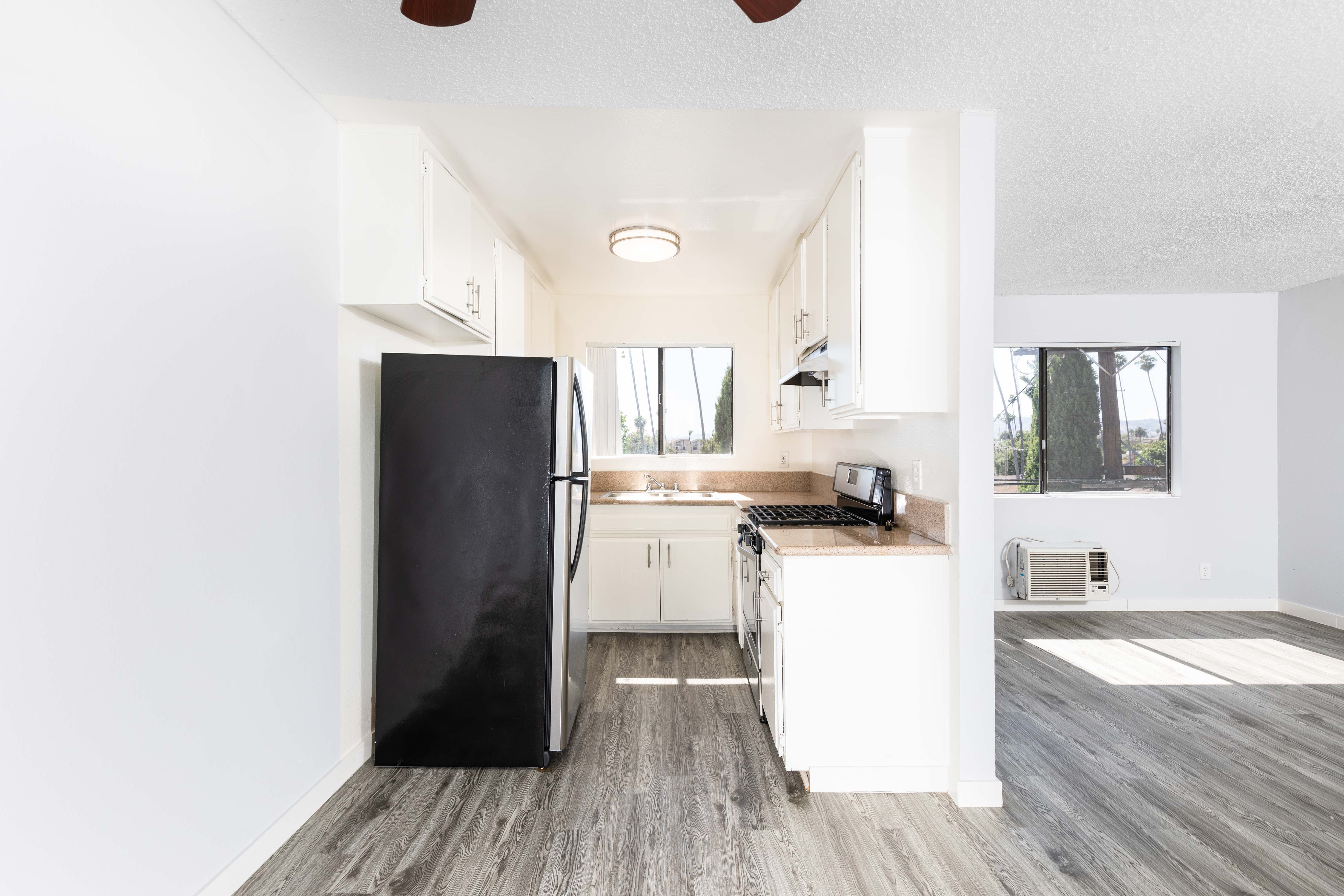 Koreatown 2BR/1BA Unit w/ One Parking Space and Laundry on Every Floor- A Must see!