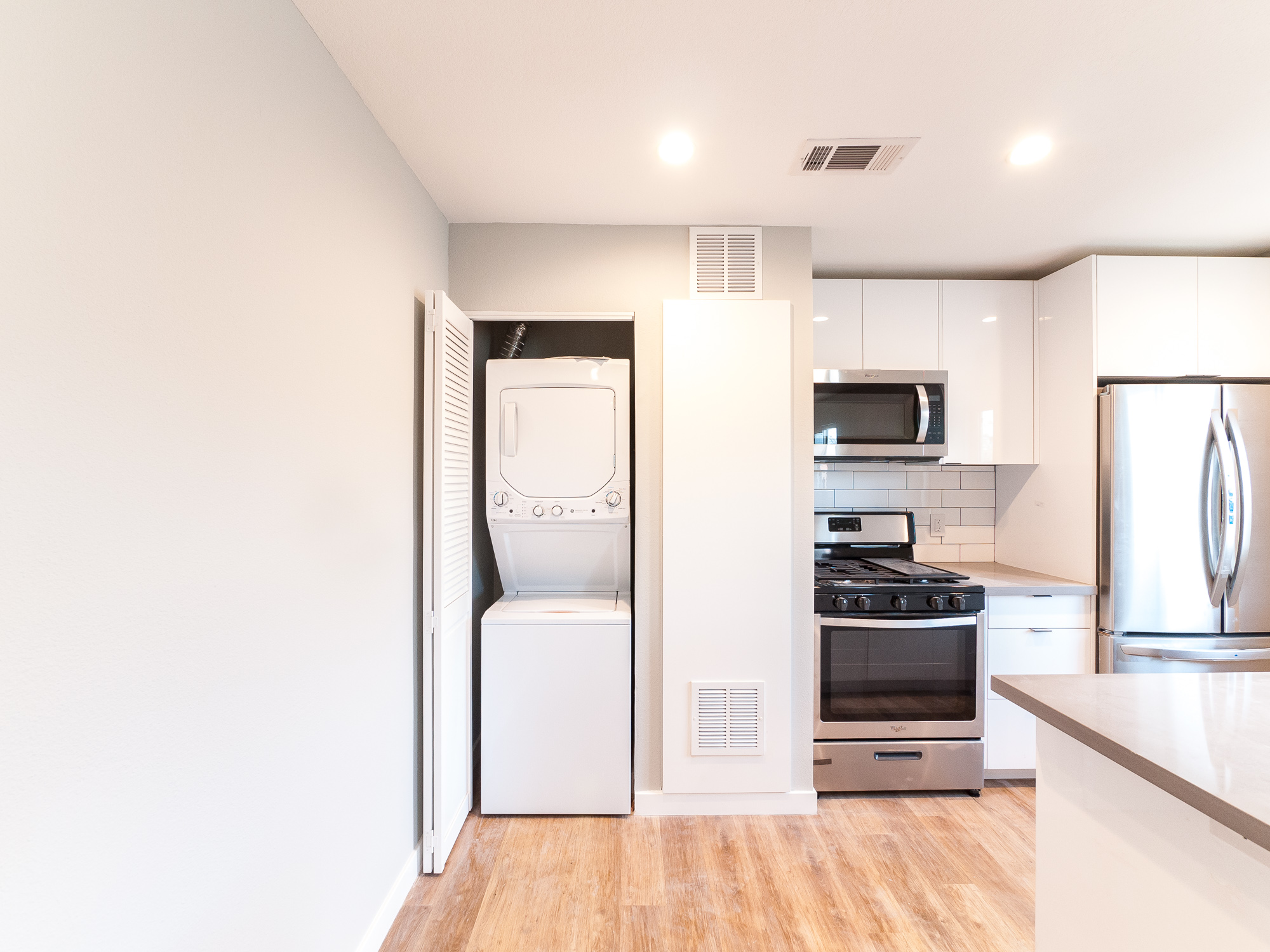 Contemporary, Stylish Luxury: Brand-New 2 Bedroom/ 1 Baths in Hollywood!