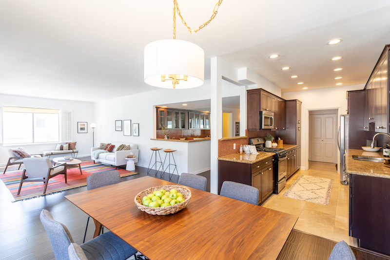 Elegant Residence in Prime Westwood Location