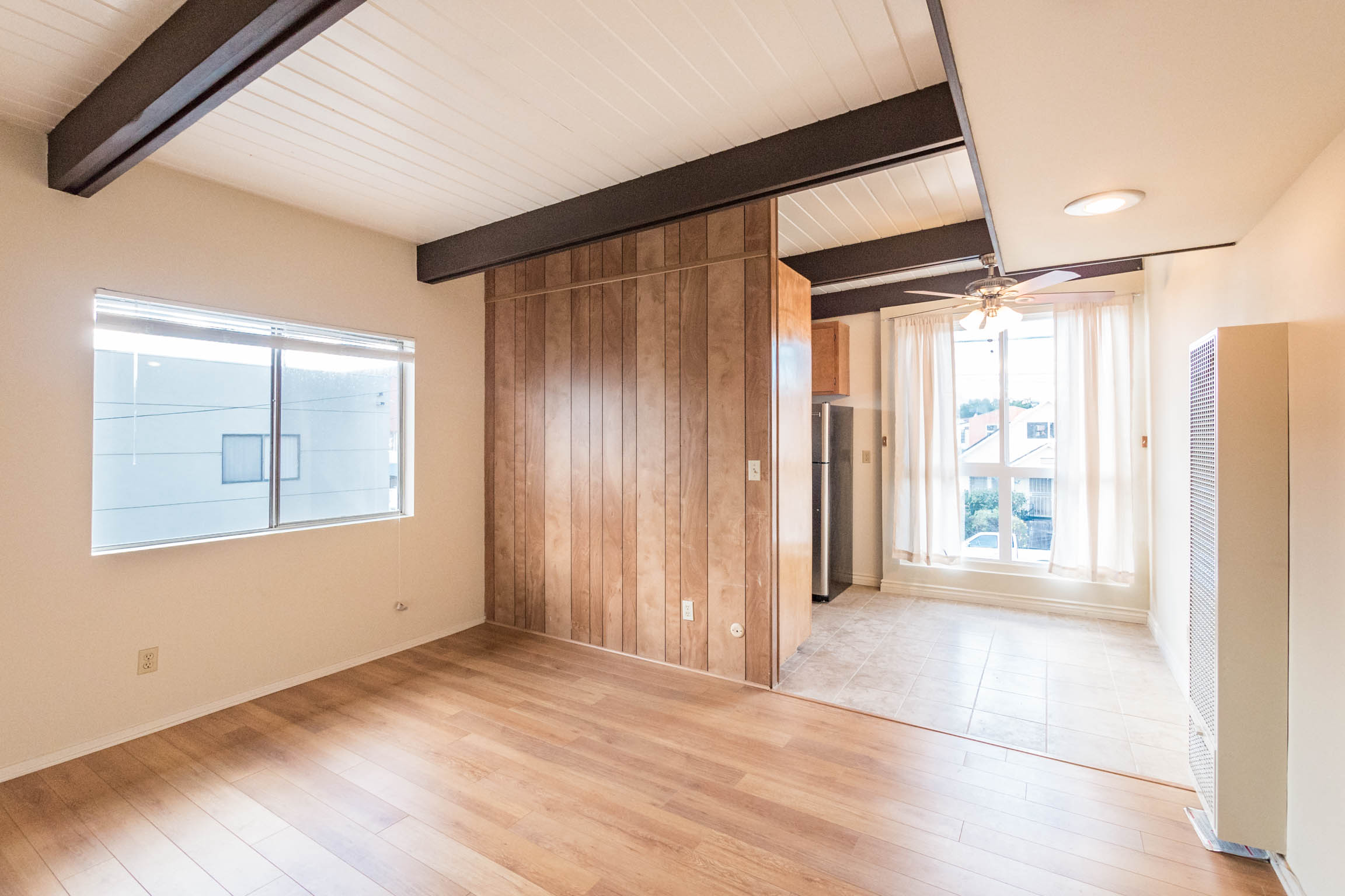 Midcentury 1 Bed/1 Bath Abode | Updated Appliances| Parking |Prime Chinatown Hotspot!
