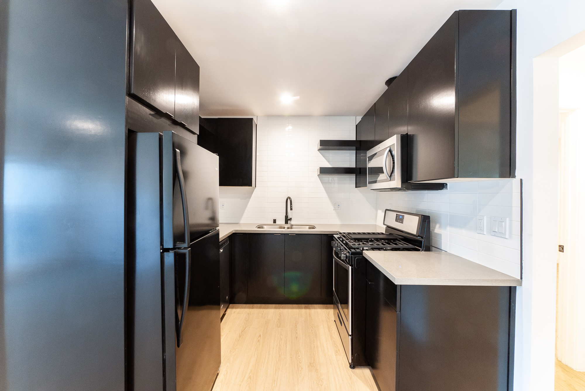 Modern Prime Ktown Apartment! | Renovated 2/1 With Sleek Appliances & In-Unit W/D | AC Inluded