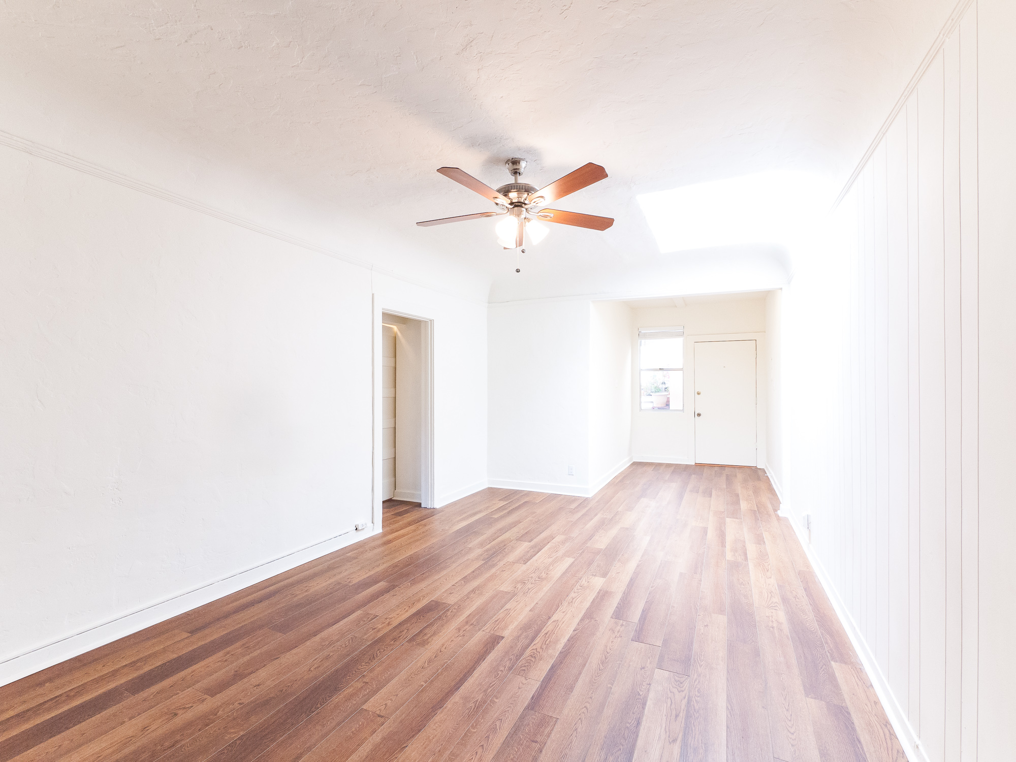 Newly Renovated 2 bedroom in Chinatown w/ HUGE walk-in closet | Near DTLA and Echo Park
