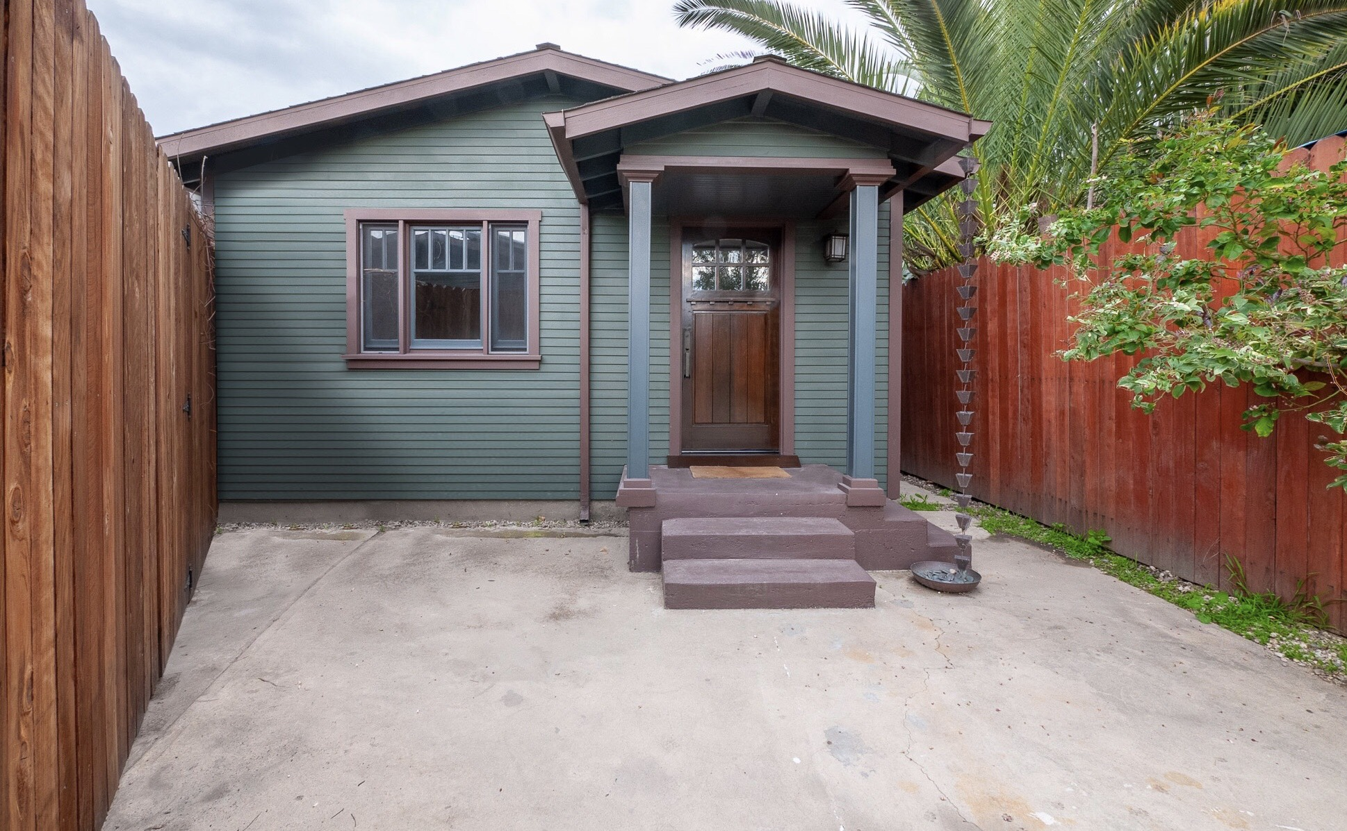 Bungalow Dream! Amazing Craftsman Style Guest House!