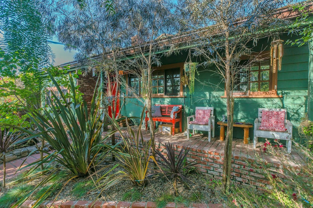 Your Very Own Short-Term Oasis - Venice Craftsman Home with Private Serene Gardens