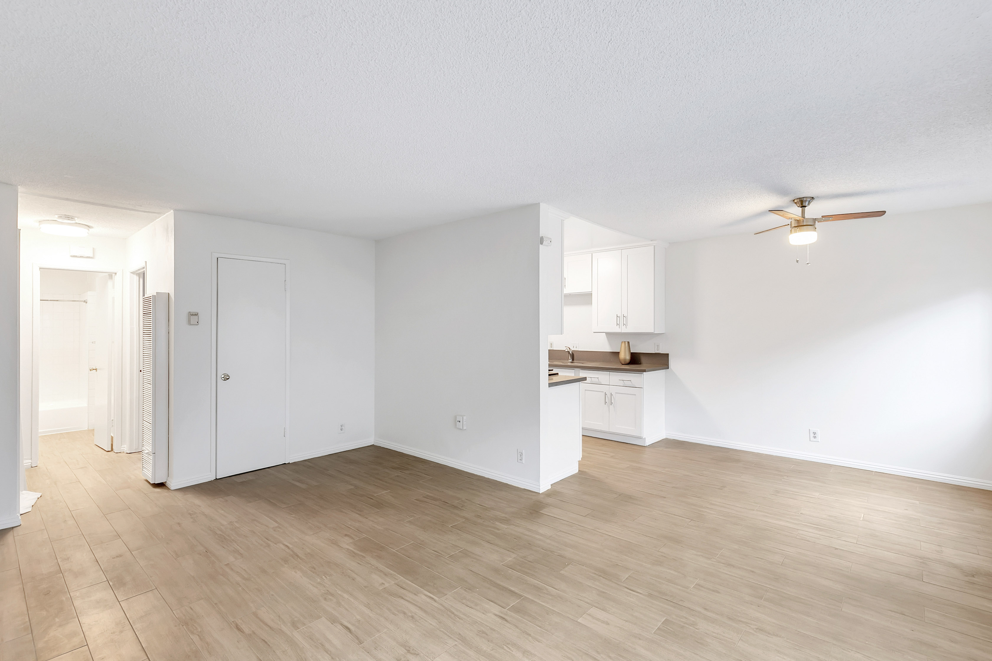 Quaint El Sereno 1 Bed/ 1 Bath | Modern & Updated | First Floor Unit | 2 Parking Spaces Available!