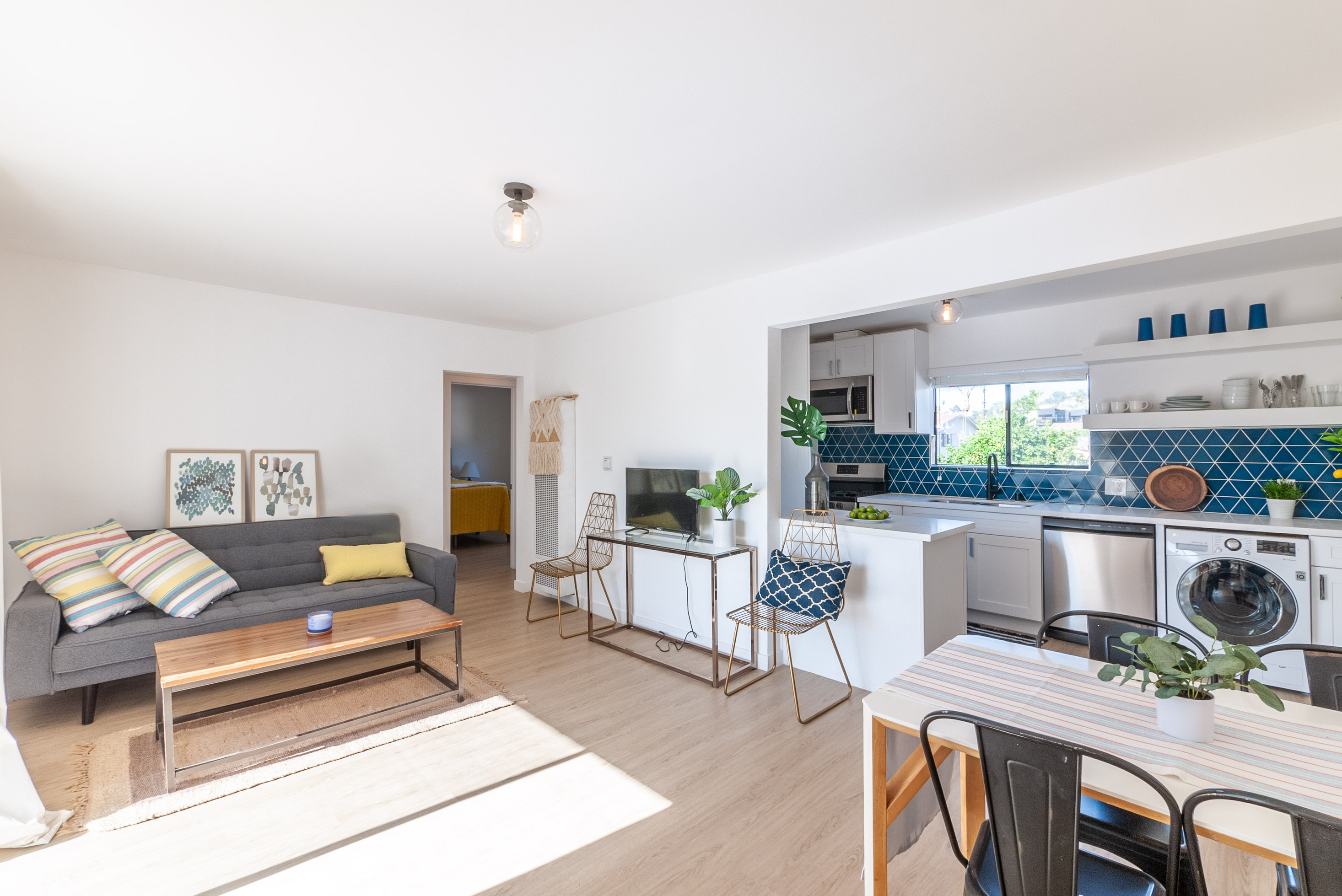 Top Floor, Corner Unit! Fresh 2 Bedroom/ 1 Bath In Prime Highland Park | Recently Updated | AC + 1 Parking Space Included!