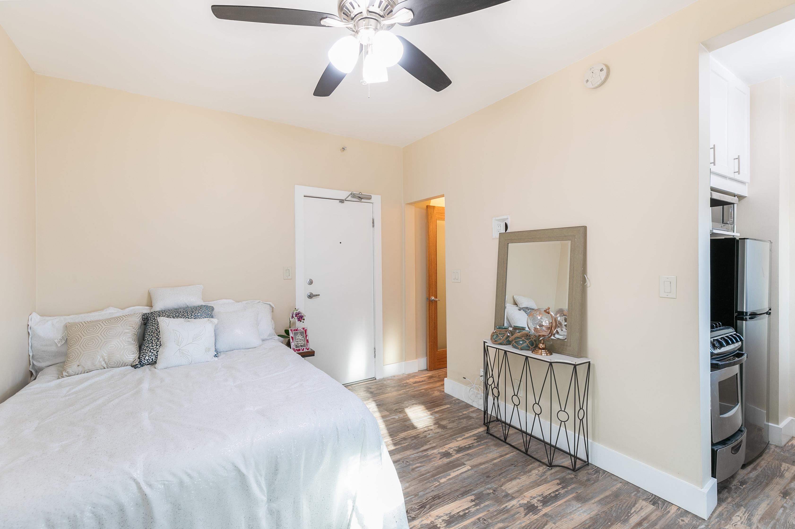 Easy-Breezy Studio Living | Modern Updates | Prime Venice Beach Location