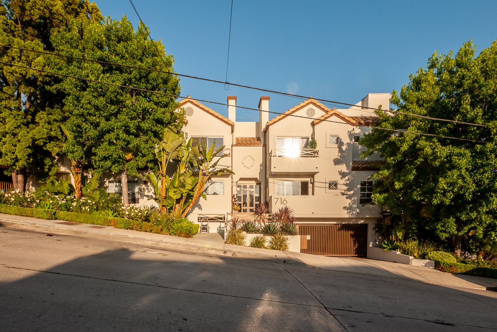 Silver Lake Townhouse | Private Rooftop Patio | All Appliances and Two Garage Parking Spaces Included