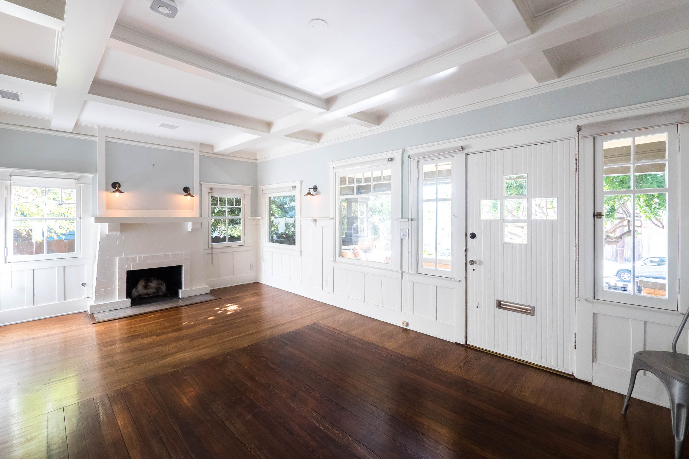 Charming Silver Lake Craftsman | Enclosed Yard & Patio | All Appliances & Central Air | Excellent Location One Block to Sunset