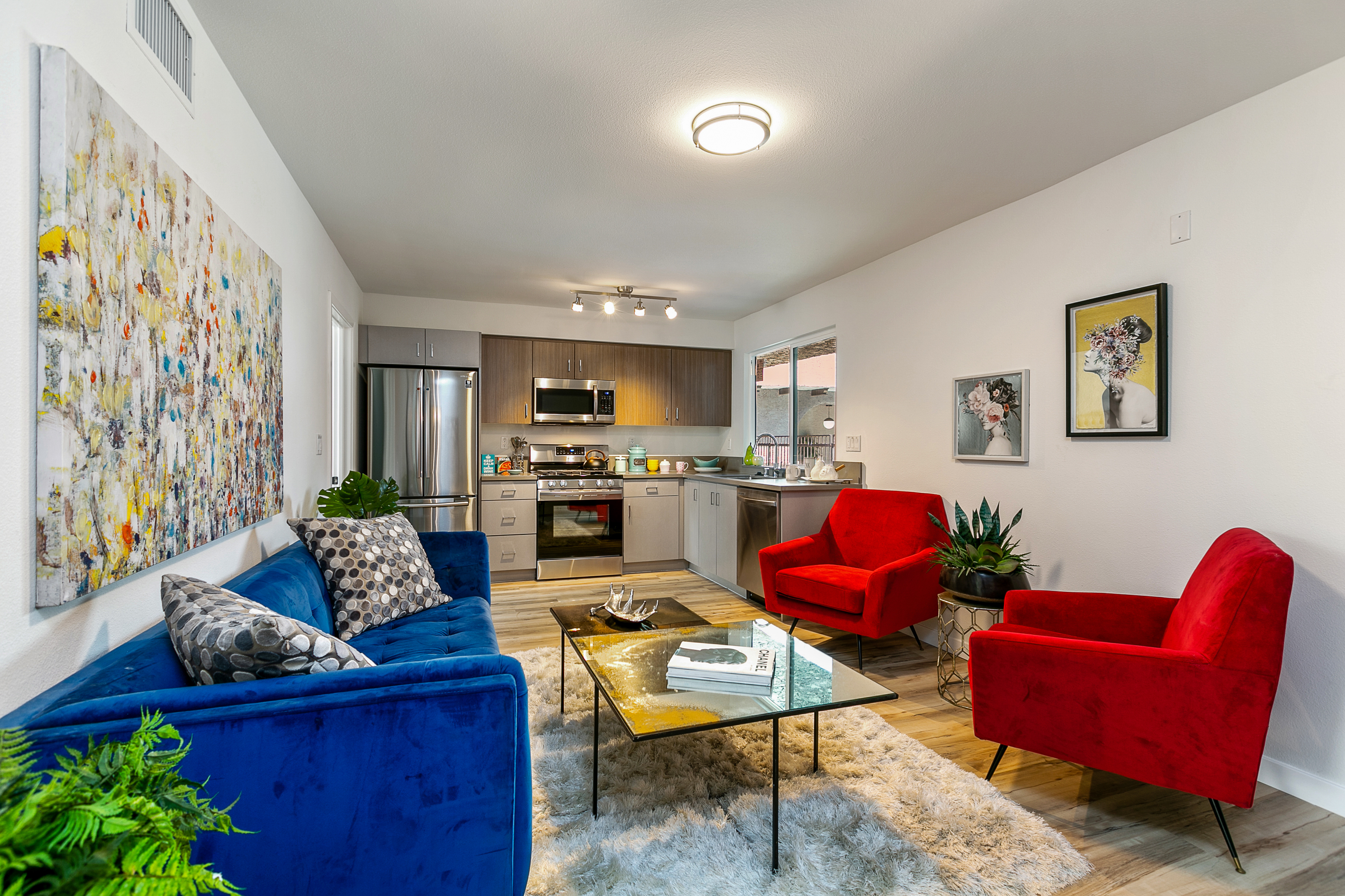 Wonderful Modern Spanish building within close distance to the Orange Line and Balboa Park