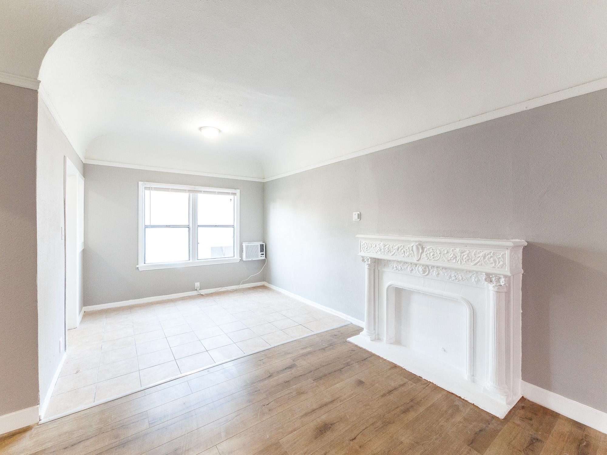 Spacious and Lovely!  JUST Renovated -DW-Washer/Dryer- Decor Fireplace- Close to Metro