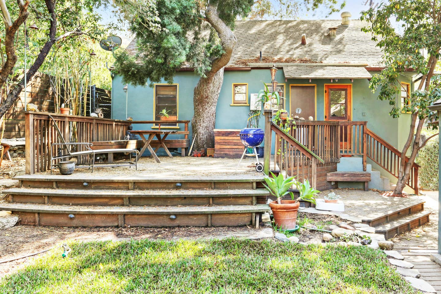 Cozy California Bungalow | Next to Silver Lake Reservoir and Dog Park | Dog Friendly | Furnished or Unfurnished | Flexible Lease Terms