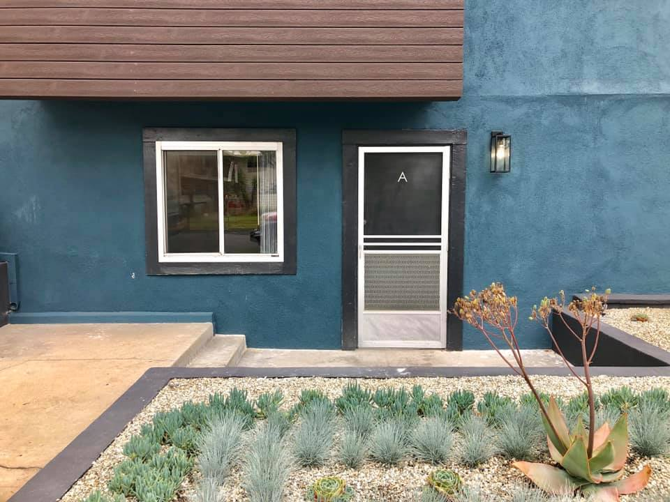 AMAZING RENO! 1Bed/1Bath Unit! Parking Included!