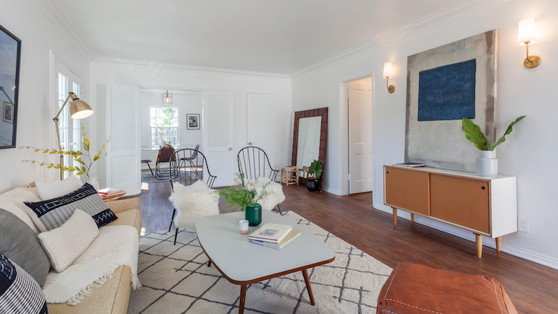 Detached Vintage One Bedroom with Views | New TIC Community