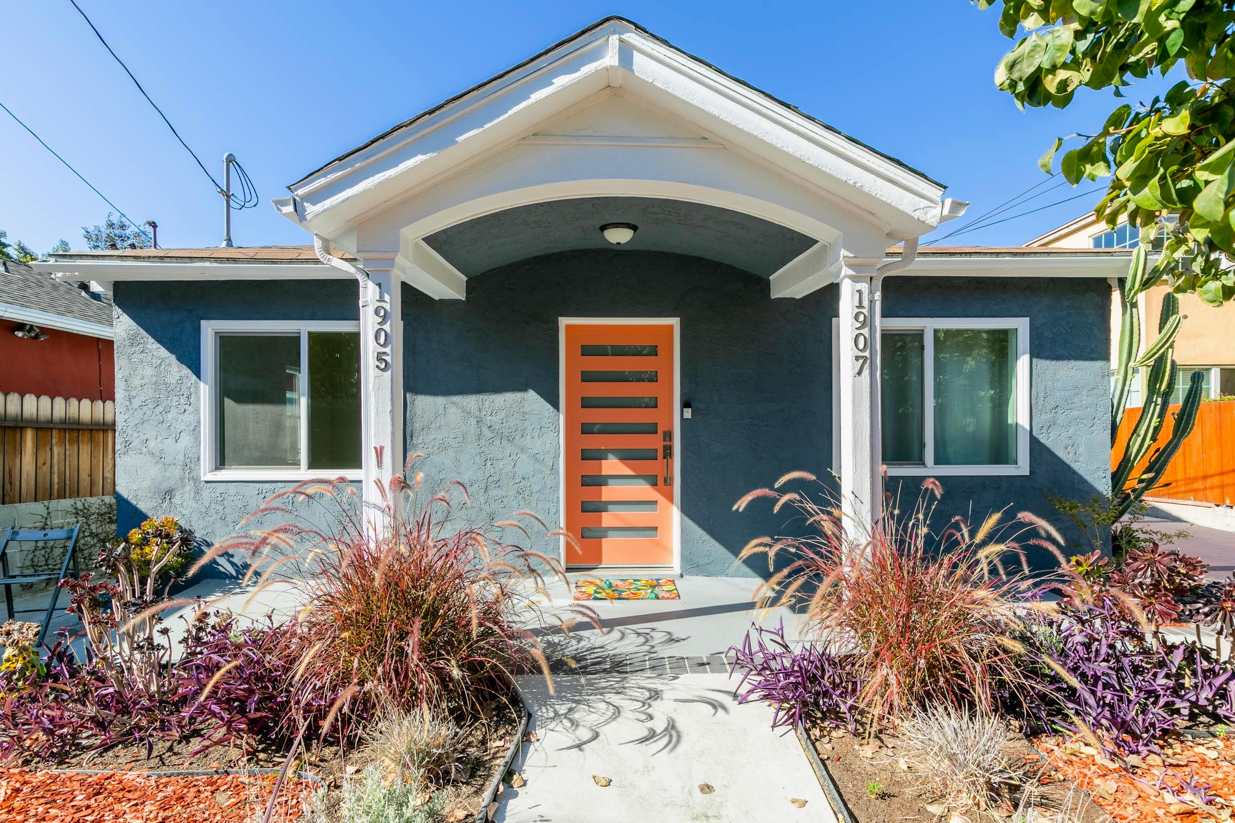 Bright & Modern Silver Lake Home | Attached Studio w/ Separate Entrance | Live / Work Possibilities | Large Private Patio | Garage & Driveway Parking
