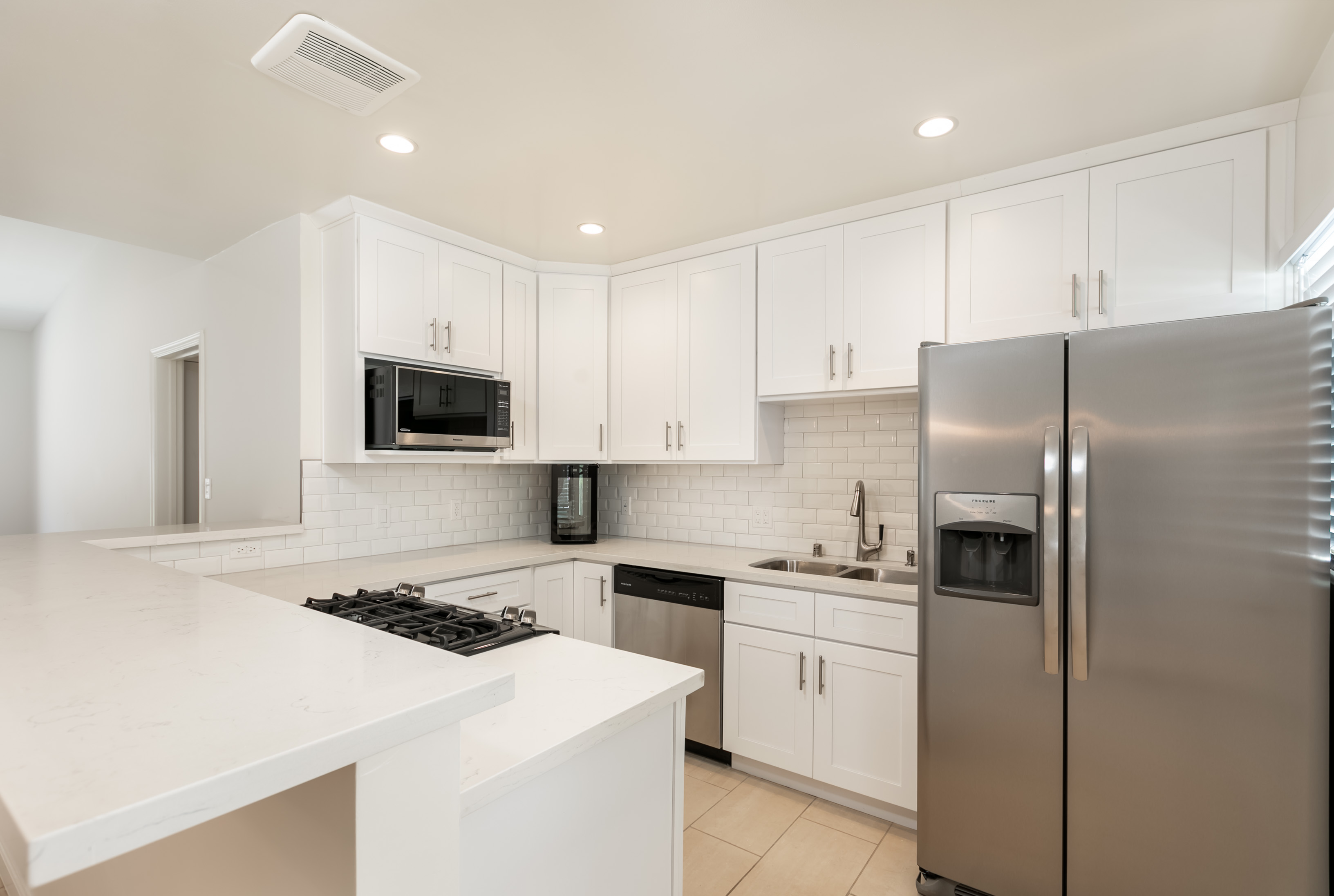 Meticulously Re-Imagined Apartments! Two Bedroom/ Two Bathroom- NEWLY RENOVATED DREAM