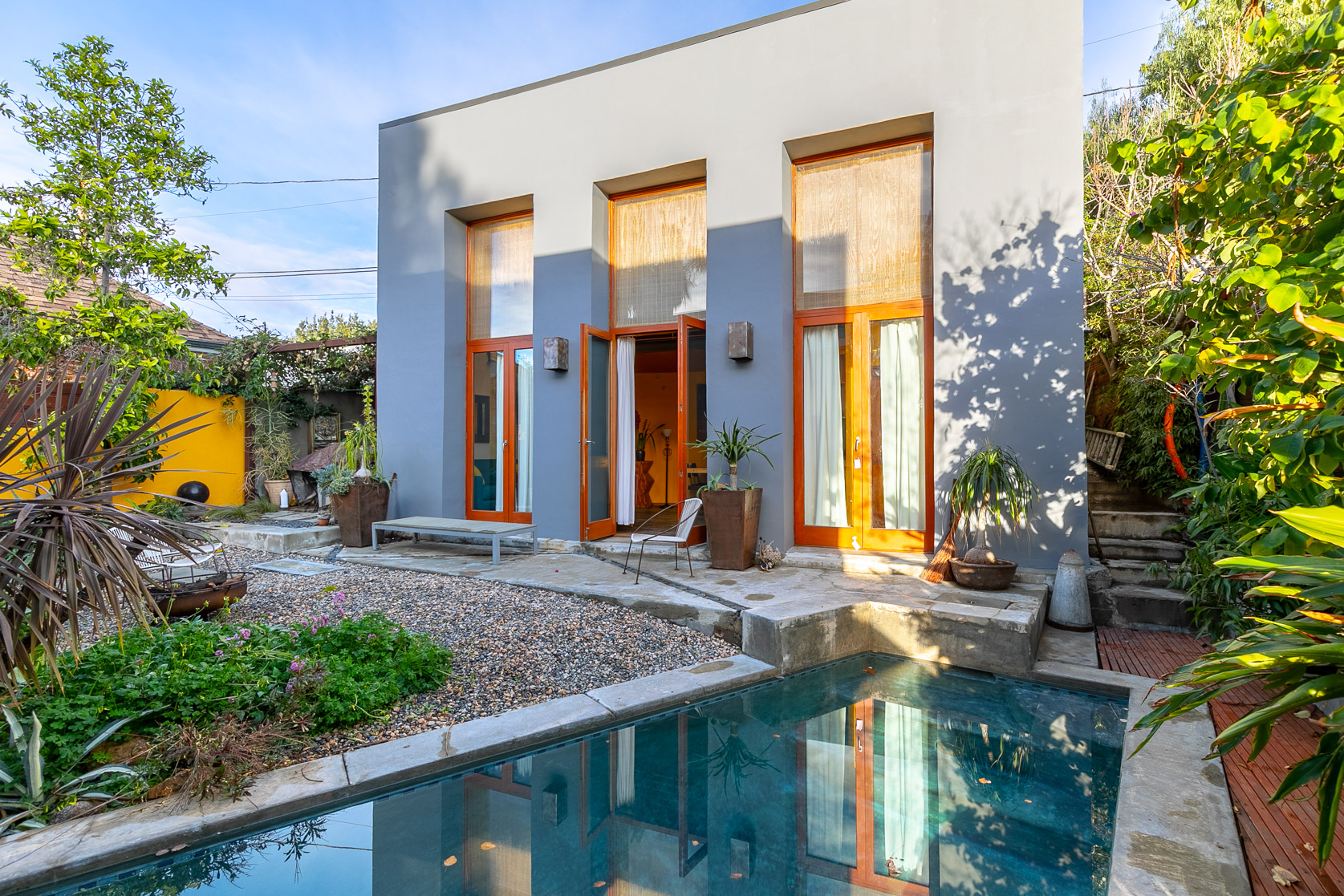 Cheerful and Vibrant Detached Pool House! Loft Style & Fully Furnished! Nestled in Franklin Hills!