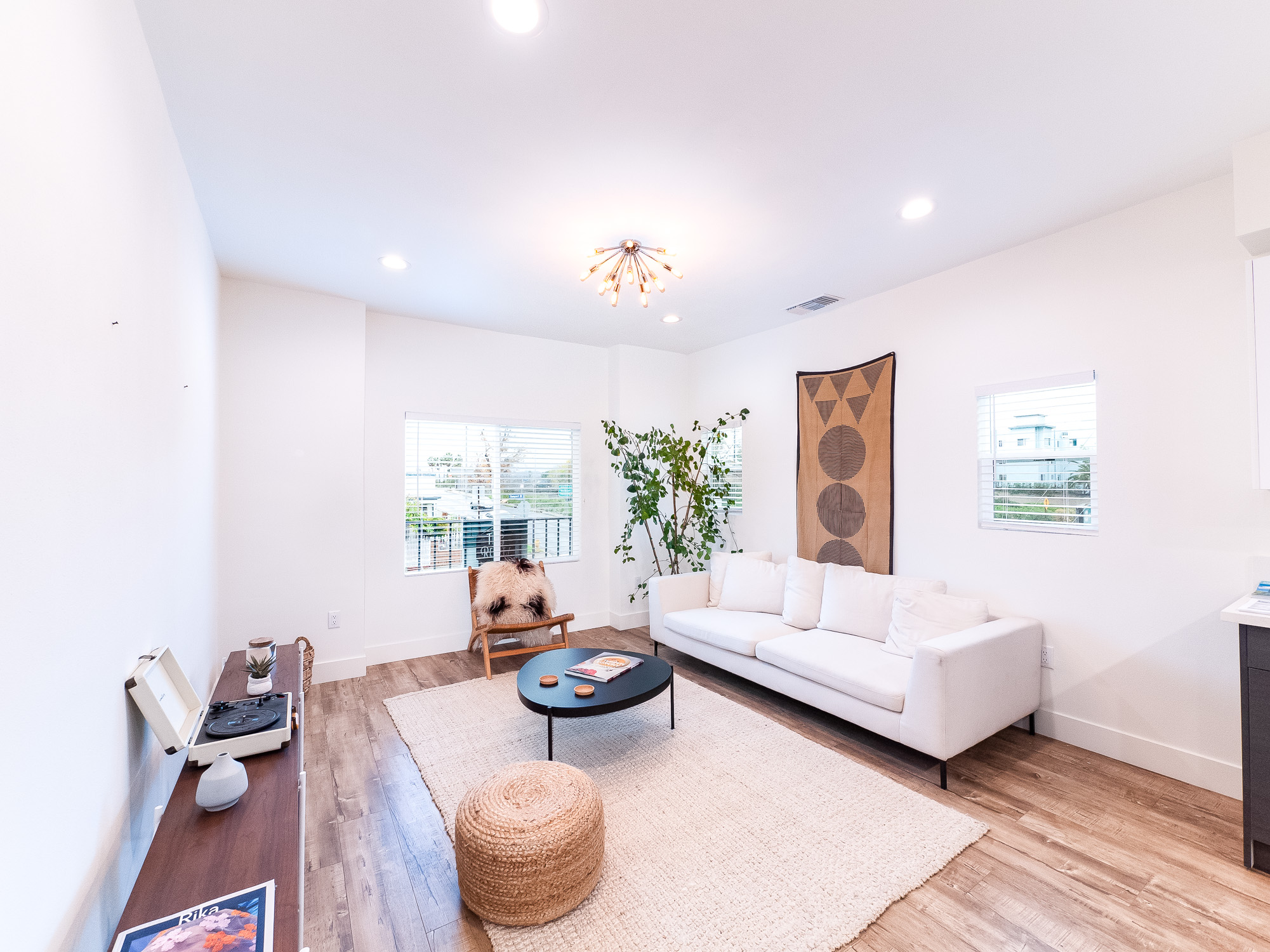 TIC SOLD! Fully Renovated Echo Park Unit | Low HOA & Great Views!