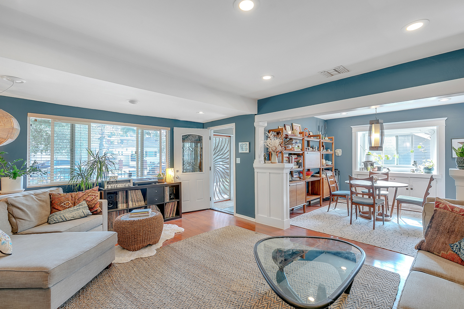 Fabulous Flexible Lease Term Retreat | Highland Park Single Family + Detached Studio | Partially Furnished Or Unfurnished | Front & Backyard | Parking & Utilities Included!