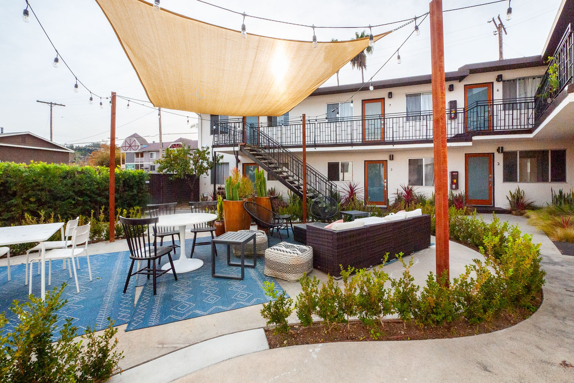 Move-In Special! | Bright Highland Park 1 Bed/ 1 Bath W/ Parking! |   Recently Updated|Stylish Outdoor Courtyard| Prime Location|