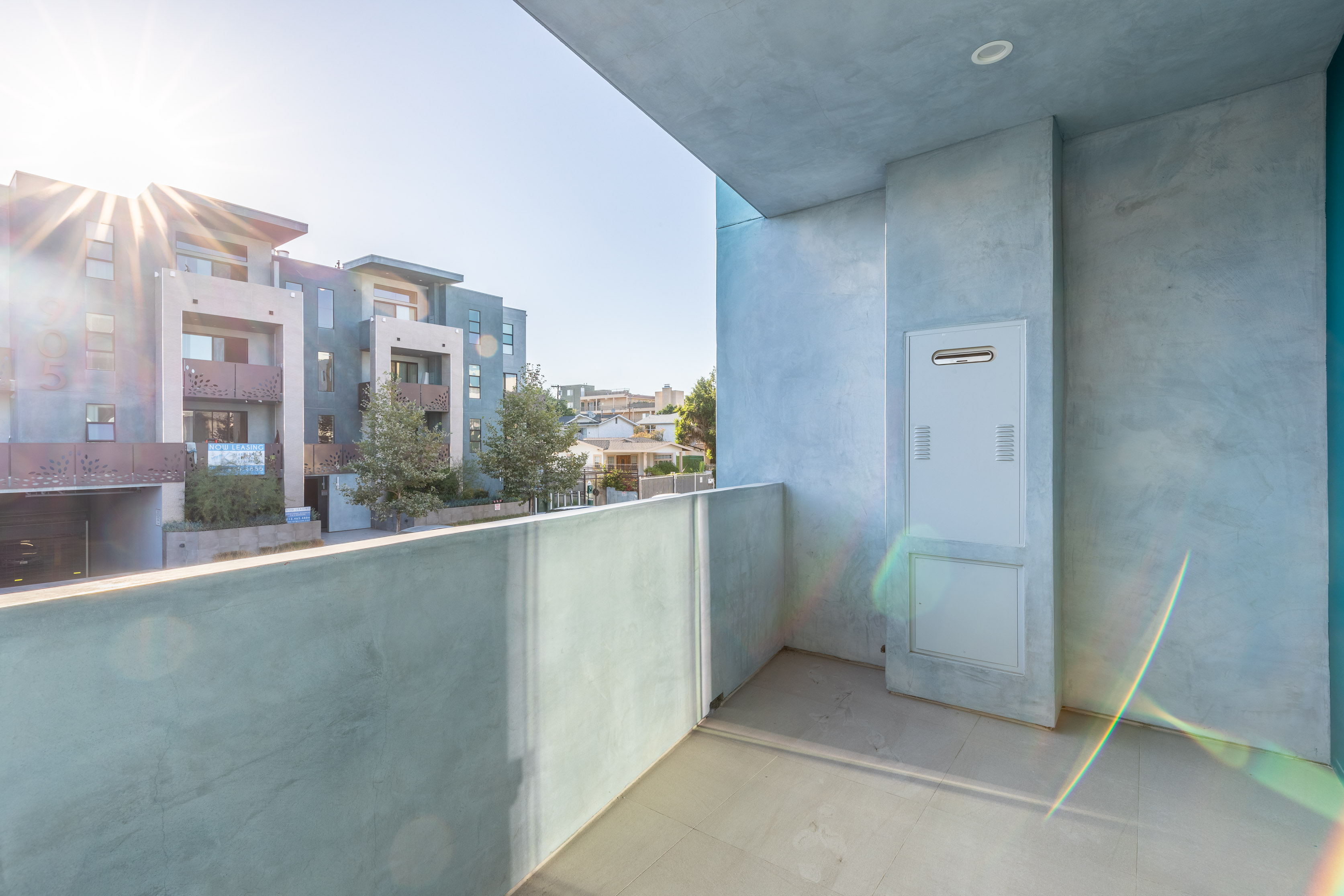 LIVE THAT LEISURE & LUXURY LIFE: 3BR/ 2BA W/ LARGE PRIVATE BALCONY, ROOFTOP, GYM, & 2 PARKING SPACES