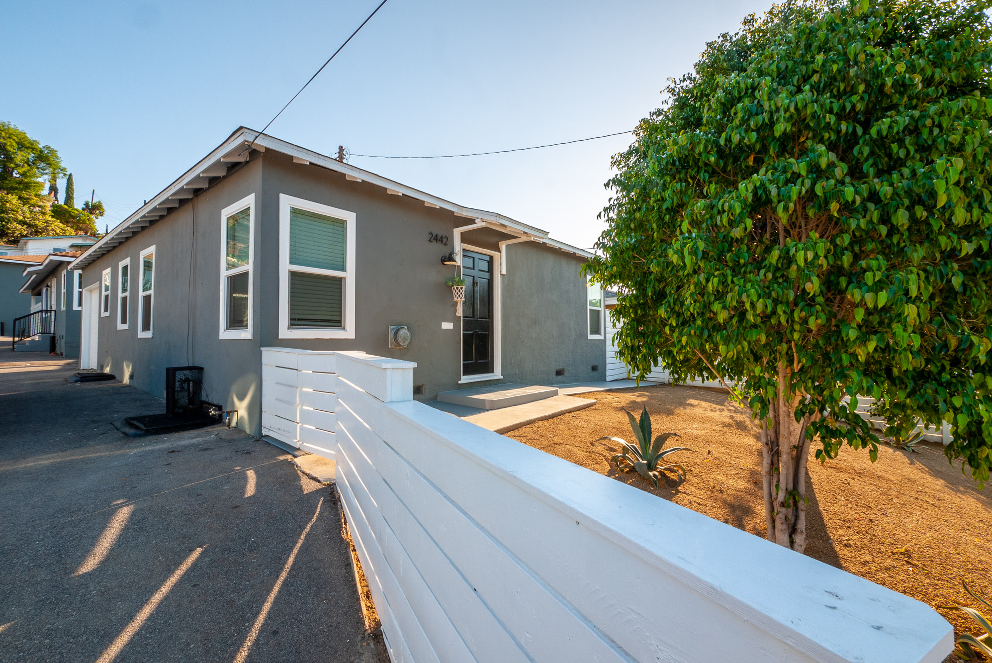 FREE-STANDING BUNGALOW | GARAGE | WASHER/DRYER | FENCED FRONT YARD AND PRIVATE BACK PATIO