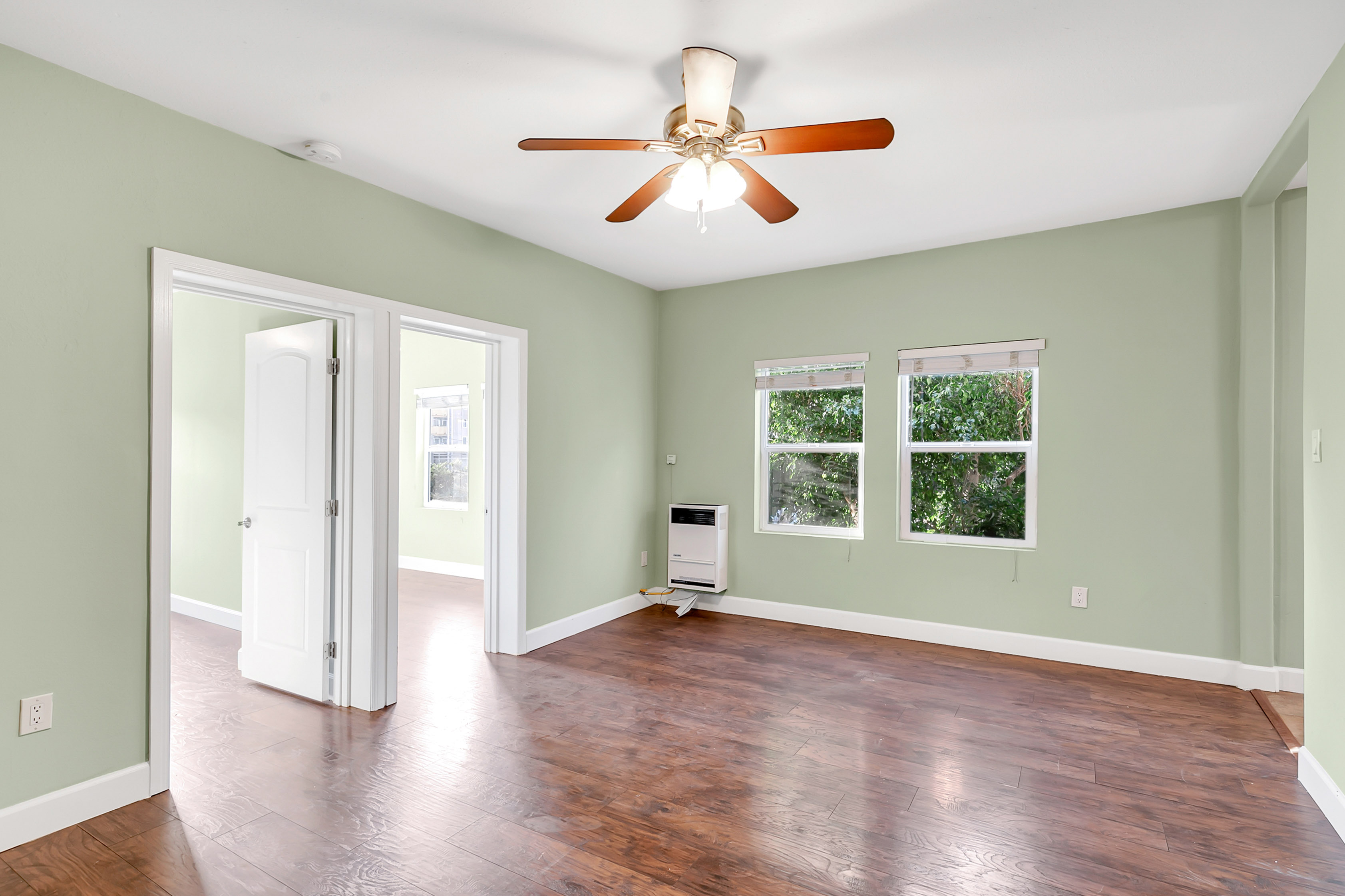 Perfectly Located Echo Park  2 Bedroom | Updated! | AC Provided Upon Request