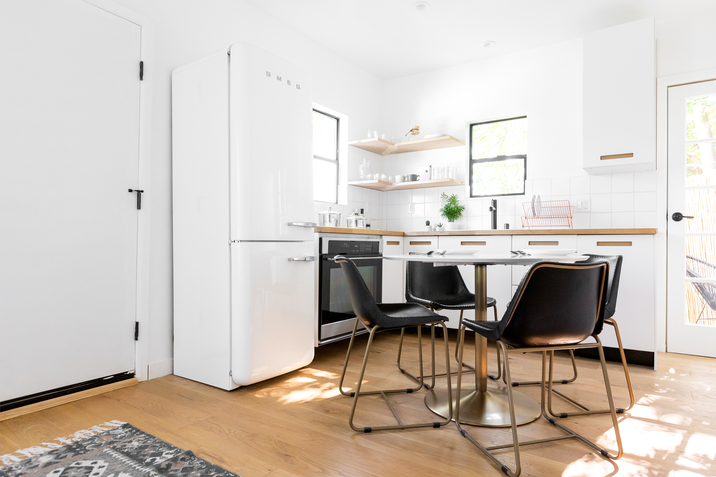 Luxury Hillside Townhouse in Echo Park | Fully Furnished with Designer Finishes | Curated Community Living | All Appliances incl.