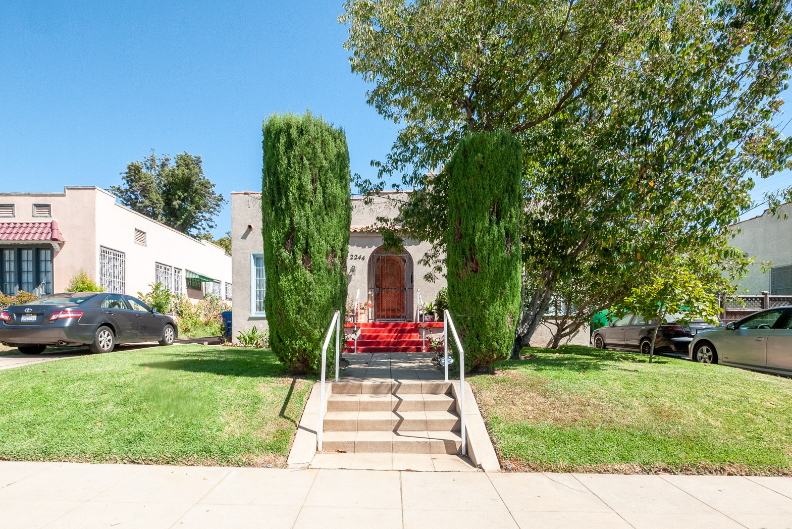Bright, Light, and Priced Just Right! Mid-City 1BD/1BA Wonder - On-Site Laundry!