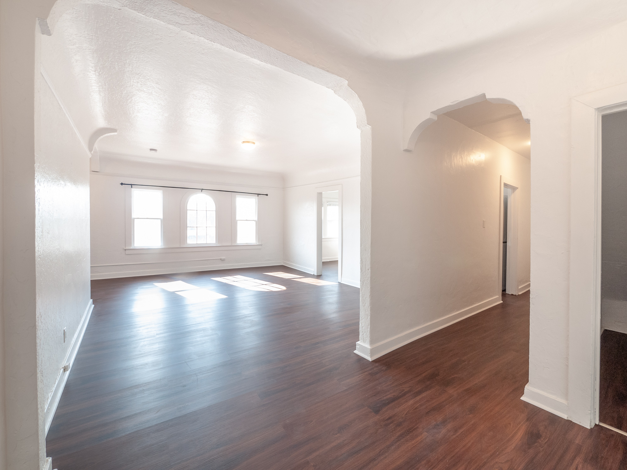 Freshly updated Large & Bright 1 bedroom w/ TONS of bonus space and closets | Italian Architecture building