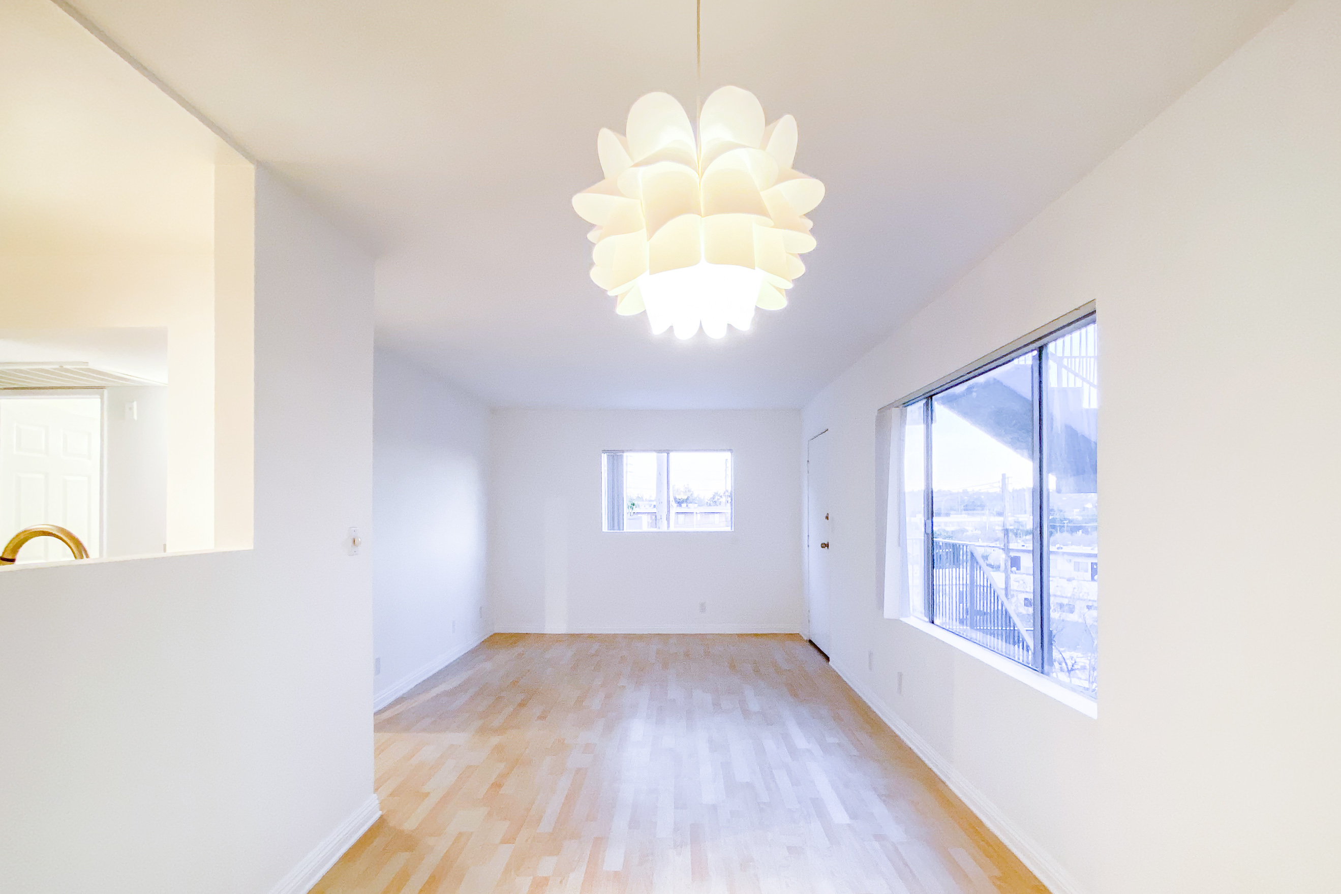 2 Bed, 2 Bath | Minutes to Highland Park, Glendale, and Atwater Village | Newly updated 1980's architecture in Glassell Park | Gated Parking